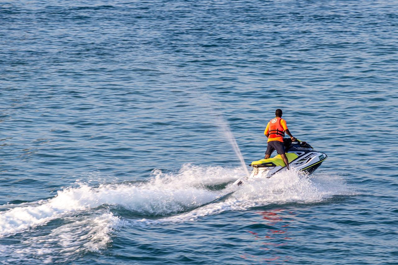 Las Mejores Playas de la Costa Brava para recorrer en moto de agua