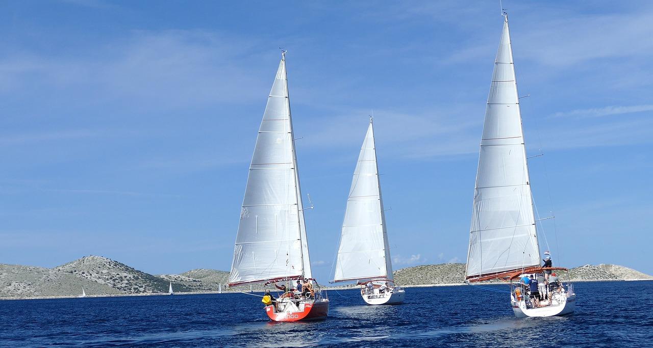 Cuáles son los tipos de barco de vela ligera más comunes